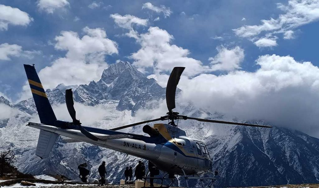 everest-helicopter-tour-8